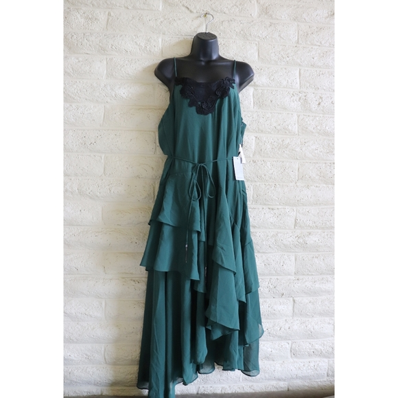 cooper st Dresses & Skirts - Cooper St | lace tiered forest green dress NWT